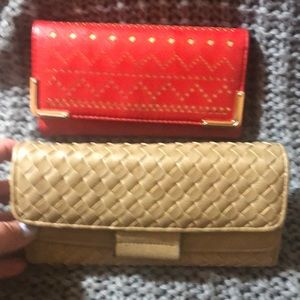 Handbags - Bundle of 2 wallets red and brown compartment